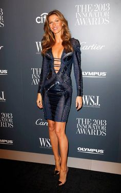 Gisele Bündchen is absolutely gorgeous in Atelier Versace at the WSJ Magazine 2013 Innovator Awards. #VersaceCelebrities