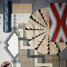 Whirlwind Jute Round Rug.  #handmade #homedecor #rug #burlap #juterug #rugs #juterugs #burlaprug #crochetrug #interiordesign #handmaderug