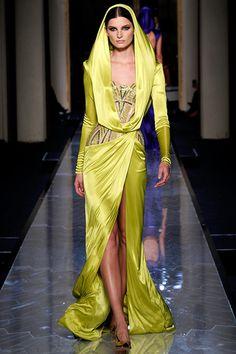 Atelier Versace - Pasarela https://www.facebook.com/pages/EXPONLINE/141220162699654?ref=hl