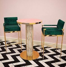 Ok, gotta thank Sarah who introduced me to the world of @byswans ...BECAUSE DAMN BABY. X . . Absolutely, positively, LOVE this Meryl bar chair and dandelion bar table set. Can we talk about how popular bar tables and trolleys are at the moment? I never thought I'd see the day that they look as cool as this though. ✖️✖️ . . When I used to think about bars and bar sets for the home, I always used to think Pat Butcher ✨✨ UH HUH HONEY.