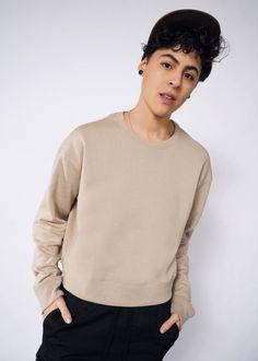 Perfectly worn 70/'s cropped sleeve crew neck sweatshirt  medium large  old english