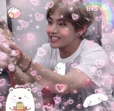 Taehyung is so handsome V Bts Cute, Bts Love, Foto Bts, Kim Taehyung, Bts Jungkook, Bts Pictures, Reaction Pictures, Kpop, Twitter Layouts