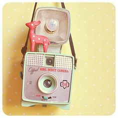 Official Girl Scout camera with flash. Cute Camera, Toy Camera, Camera Shy, Vintage Girls, Vintage Love, Retro Vintage, Still Camera, Hipster Chic, Kawaii