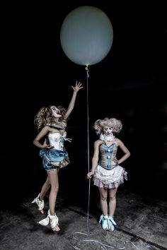 Creepy Circus, Halloween Circus, Circus Clown, Creepy Clown, Circus Theme, Vintage Halloween, Halloween Costumes, Circus Acts, Circus Birthday