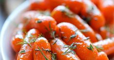 Baby Carrots Honey Glazed Baby Carrots - Honey brings in such a pleasant sweetness to these baby carrots in this easy side dish!Honey Glazed Baby Carrots - Honey brings in such a pleasant sweetness to these baby carrots in this easy side dish! Easy Vegetable Side Dishes, Vegetable Sides, Veggie Dishes, Food Dishes, Veggie Food, Side Dish Recipes, Vegetable Recipes, Vegetarian Recipes, Cooking Recipes