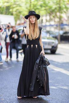Too cool. Cut out maxi dress. Black fedora. Street Style. Paris