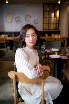 김지원(金智媛 Kim Ji-won) Kim Ji Won - Interview for 'Descendants of the Sun' Korean Actresses, Korean Actors, Korean Beauty, Asian Beauty, Korean Celebrities, Celebs, Kim Ji Won, Yoo Ah In, Selfies