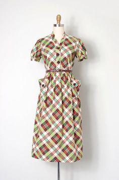vintage 1940s dress / plaid print 40s day dress / by SwaneeGRACE