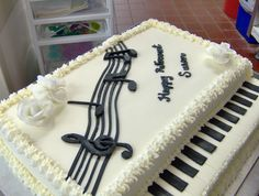 a piano cake for a musically inclined clients retirement Cakes! in 2019 Piano cakes, Music Music Themed Cakes, Music Cakes, Pretty Cakes, Cute Cakes, Fondant Cakes, Cupcake Cakes, Violin Cake, Bolo Musical, Music Party Decorations