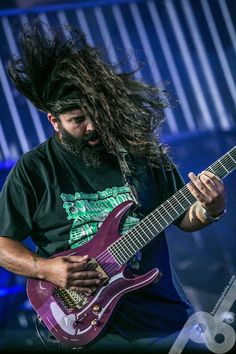 Stephen Carpenter - A brilliant riff creater. He was one of the innovators of the drop-d tuning 7-string guitar, and one of the few who used it to full effect.