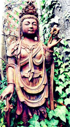 quan yin: learning not only to be compassionate with others, but also compassionate with oneself is no easy task.  Look to Quan Yin during times when you seek to forgive. statu, sacr art, buddha
