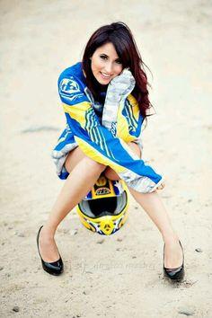 Good pose for moto girla