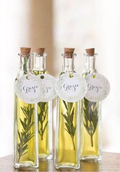 #whyhaveineverthoughtofthis Infusing oils is really simple to do and a nice gift that your guests can incorporate into holiday cooking! You can experiment with different herbs or garlic. Make them all the same or switch it up!  Photo:  Premeditated Leftovers