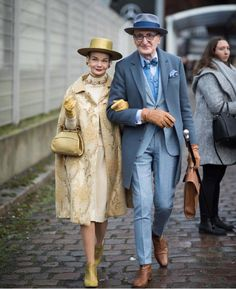 - Relationship goals, as seen at Berlin Fashion Week. Tap the link in our bio to see more of our favorite street style. Photographed by Fashion Week Berlin, 50 Fashion, Fashion Over, Womens Fashion, Fashion Styles, Street Fashion, Retro Fashion, Fashion Brands, Winter Fashion