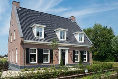 Suburban House, Mansions, House Styles, Design, Home Decor, Model, Mansion Houses, Homemade Home Decor