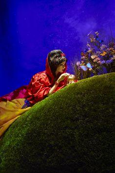 Harrods Disney Christmas Windows - Snow White by Oscar de la Renta <3