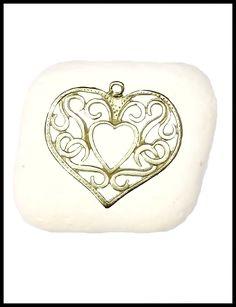 Μπομπονιέρα σε πέτρα με καρδιά