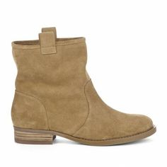 Tan suede pull on boot