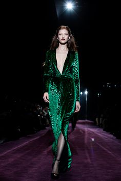 I have not been a lover of Gucci since Tom Ford, however, this dress is glorious. Such a 1970's throw back. And that fabric!