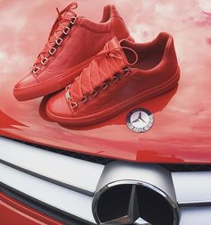 Balenciaga Arena Low top Sneakers in Red Leather