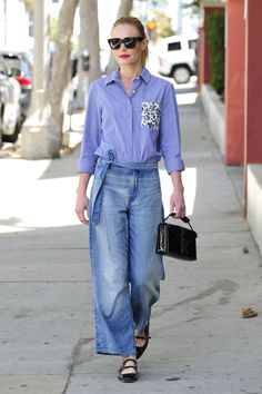 How to do monochrome like Kate Bosworth | a blue button-down with medium wash jeans and black accessories
