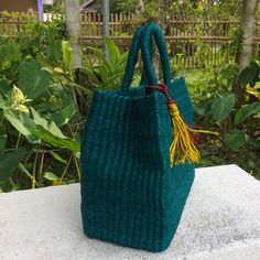 Makena is the most stylish abaca square bag you can ever find. Buy it now at The Fun Stuff Shop! Basket Bag, How To Make Handbags, Malachite, Green Colors, Straw Bag, Beach Ootd, Things To Come, Boho, Yellow