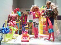 Jeugdherinneringen bij barbie tentoonstelling Tassenmuseum Amsterdam