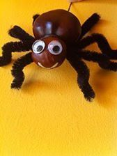 Spider DIY craft for Halloween Easy Crafts For Kids, Diy For Kids, Diy And Crafts, Arts And Crafts, Fall Halloween, Halloween Crafts, Halloween Decorations, Autumn Crafts, Nature Crafts