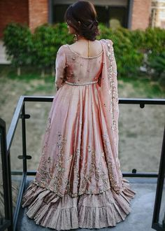 Pakistani Dresses Party, Simple Pakistani Dresses, Pakistani Fashion Party Wear, Walima Dress, Pakistani Wedding Outfits, Pakistani Wedding Dresses, Pakistani Dress Design, Bollywood Dress, Party Wear Dresses