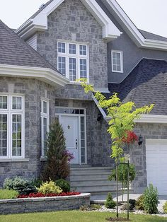 Brampton Brick's Century Stone captivates with the ageless beauty and elegance of classic stonework. Stone Veneer, Trim Color, Brickwork, Stone Houses, Architecture Details, Layout, Exterior, House Design, Mansions