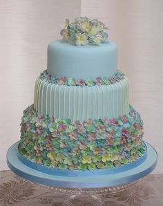 Wedding Cake wedding cake hydrangea wedding cake Black and white wedding cake Gorgeous Cakes, Pretty Cakes, Cute Cakes, Amazing Cakes, Fondant Cakes, Cupcake Cakes, Cool Wedding Cakes, Elegant Cakes, Fancy Cakes