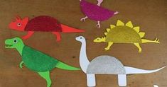 En relación con nuestro proyecto de los Dinosaurios, realizamos una manualidad con platos de cartón y cartulina para fabricar nuestros prop...