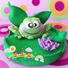 Sapo Clay Crafts, Diy And Crafts, Frog Cakes, Clay Figurine, Kawaii, Pasta Flexible, Polymer Clay Art, Cold Porcelain, Gum Paste
