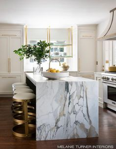 Kitchen Living Rooms marble slab waterfall island kitchen - I'm so in love with this beautiful home designed by Melanie Turner! The marble slab waterfall kitchen island is absolutely. Classic Kitchen, New Kitchen, Kitchen Decor, Kitchen Ideas, Kitchen Interior, French Kitchen, Decorating Kitchen, Coastal Interior, Long Kitchen