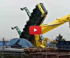 Crane Crashes and Construction Fails - BSH Cranes Crane Construction, Construction Fails, Construction Machines, Tow Truck, Lifted Trucks, Towing And Recovery, Car Crash, Heavy Equipment, Kids Education