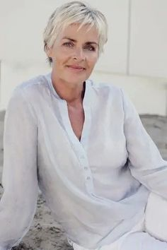 25 easy-care hairstyles for women over 50 | I'm Mother of the Bride Pixie Haircut Fine Hair, Shaggy Short Hair, Short Grey Hair, Short Hair Older Women, Short Hair Cuts, Short Hair Styles, Over 60 Hairstyles, Older Women Hairstyles, Straight Hairstyles