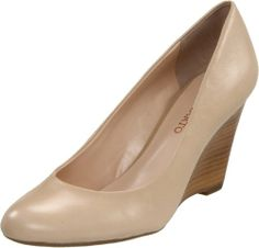 The Helio wedges from Franco Sarto offer a feminine silhouette to your favorite outfit.Leather upper in a dress wedge pump style with a round toeScooped vampSmooth lining, cushioning insoleTraction outsole, 2 1/2 inch wedge heel http://www.amazon.com/dp/B005DXQAAI/?tag=icypnt-20