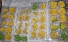Bucataria Alynusei: Trandafiri din rahat Pudding, Desserts, Salads, Tailgate Desserts, Deserts, Puddings, Postres, Dessert, Plated Desserts