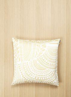 Vuorilaakso pillow cover