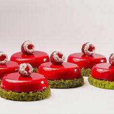 Pistachio, strawberry, raso vernet