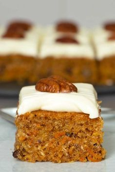 Easy moist and fluffy carrot cake with pineapple, pecans and cream cheese frosting. Infused with spices and glazed with less sugar cream cheese frosting. Rhubarb Recipes, Carrot Recipes, Cake Recipes, Dessert Recipes, Carrot Cake Cupcakes, Cupcake Cakes, Carrot Cake With Pineapple, Rhubarb Cake, Chocolate Hazelnut