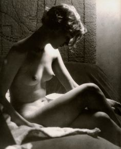 Lee Miller by the light of a Sunray Lamp, Paris, Man Ray 1929.