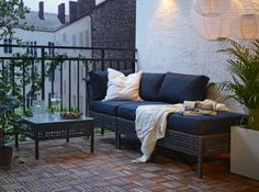 Brown KUNGSHOLMEN seat with grey cushions; - my personal balcony lounge - Design Rattan Furniture Outdoor Dining Furniture, Lounge Furniture, Outdoor Sofa, Ikea Outdoor, Ikea Patio, Rattan Furniture, Outdoor Ideas, Garden Furniture, Furniture Decor