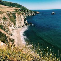 I've seen America (literally) and think so many parts are beautiful in their own way. But this is one of the most beautiful parts IMO. #bigsur #calocals - posted by Darrian Wright https://www.instagram.com/imdarrian - See more of Big Sur, CA at http://bigsurlocals.com
