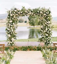 RACHEL-HAVEL Arch, Wreaths, Table Decorations, Flowers, Wedding, Mj, White Roses, Valentines Day Weddings, Longbow