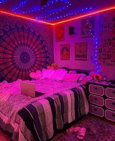 Neon Bedroom, Indie Bedroom, Indie Room Decor, Room Design Bedroom, Cute Room Decor, Teen Room Decor, Room Ideas Bedroom, Bedroom Ideas For Teens, Purple Bedroom Decor