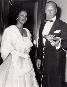 Dorothy Dandridge and her Tamango costar Curd Jürgens at a party hosted by Elizabeth Taylor and her husband Mike Todd during the 1957 Cannes Film Festival. Photographers snapped away as Dottie and Curd danced, dined, smiled, and talked. Of course. Classic Actresses, Classic Films, Hollywood Actresses, Black Actresses, Dorothy Dandridge, Old Hollywood Stars, Classic Hollywood, Hollywood Glamour, African American Movies