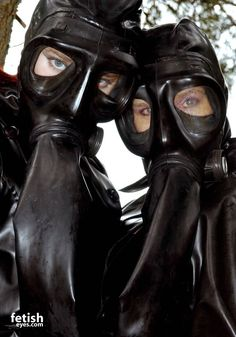 Fetish gallery gas mask — img 10