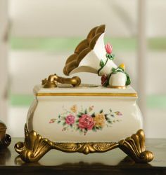 """Victorian Gramaphone Floral Music Box - """"Greensleeves"""" By Collections Etc Antique Music Box, Vintage Music, Antique Jewelry Boxes, Antique Boxes, Fairy Music, Musical Jewelry Box, Music Jewelry, Collections Etc, Pretty Box"""