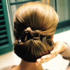 White and Gold Wedding. Bridesmaid Hair. low and classic